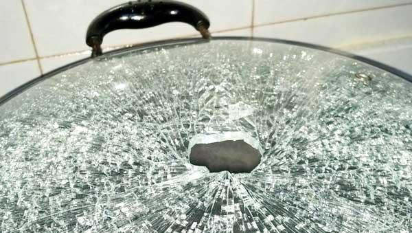 电热锅锅盖破碎